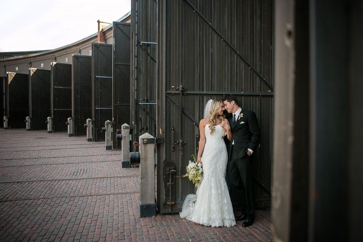 Sara and Matt: a roundhouse wedding