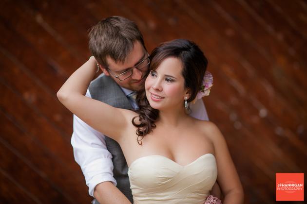 wood wall, Wedding Day, Bride and Groom, Niagara Wedding Photography, Niagara Wedding Photographer