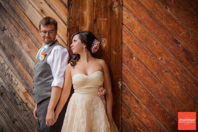 wood wall, Wedding Day, Bride and Groom, Niagara Wedding Photography, Niagara Wedding Photographer