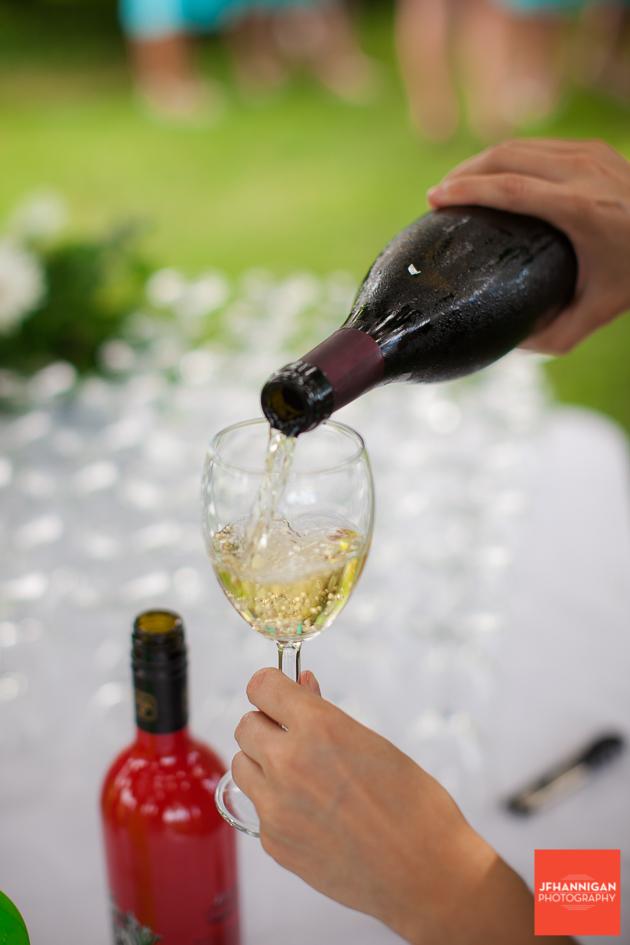 niagara, wedding, photographer, joel, hannigan, legends estate winery, wine, pour