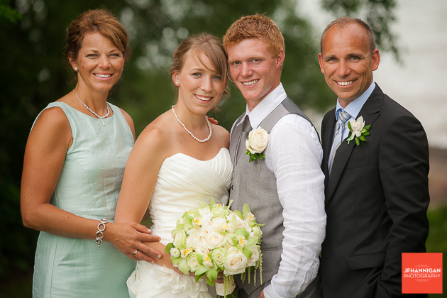 niagara, wedding, photographer, joel, hannigan, legends estate winery, bride, groom, family