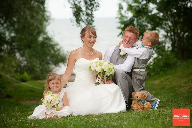 niagara, wedding, photographer, joel, hannigan, legends estate winery, funny, children, bride, groom