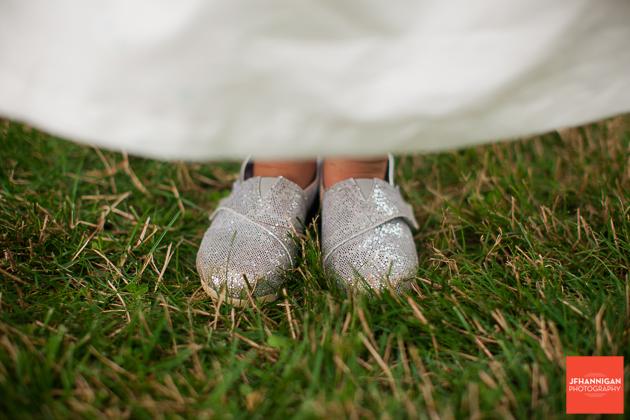 niagara, wedding, photographer, joel, hannigan, legends estate winery, sparkle, shoes, child, girl, flower