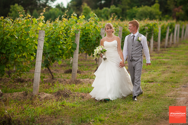 niagara, wedding, photographer, joel, hannigan, legends estate winery, vineyard, bride, groom