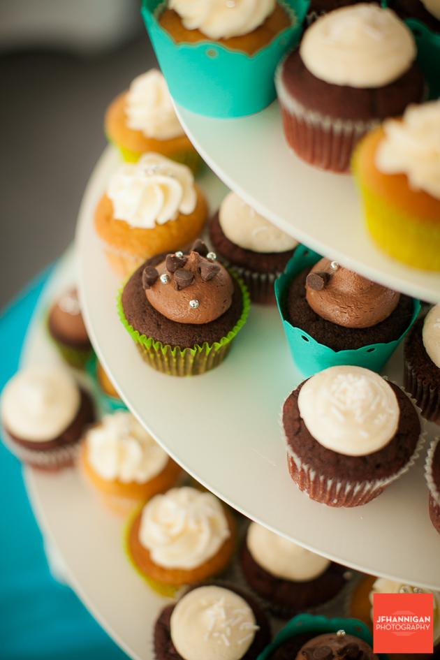 niagara, wedding, photographer, joel, hannigan, legends estate winery, cupcakes, chocolate, chip
