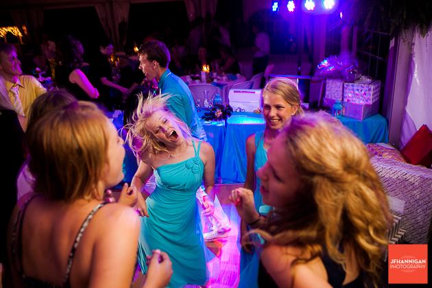 niagara, wedding, photographer, joel, hannigan, legends estate winery, dance, wild, hair