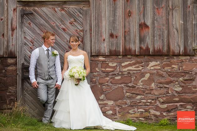 niagara, wedding, photography, joel, hannigan, barn, bride, groom