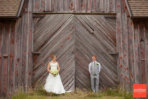 niagara, wedding, photography, joel, hannigan, bride, groom, barn