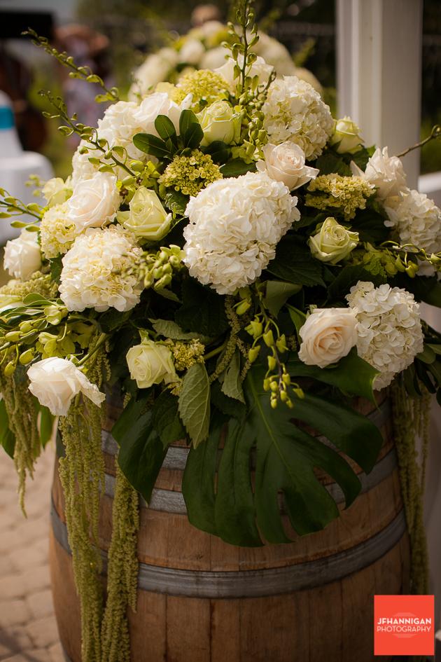 niagara, wedding, photography, joel, hannigan, balls falls, flowers, green, white