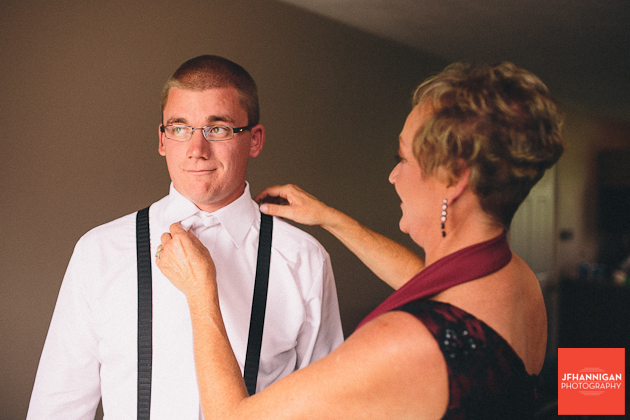 groom's mother adjusting collar