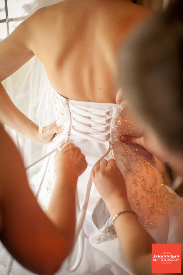 lacing back of bridal gown