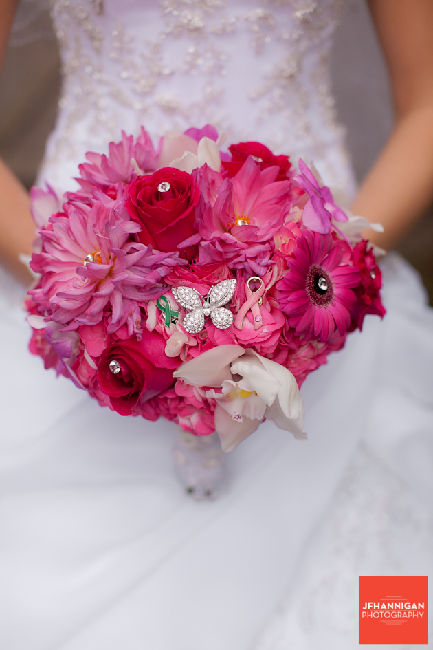 bride with bouquet in fuschia