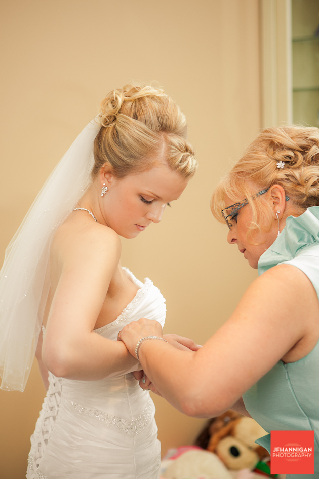 mother and daughter prepare dress