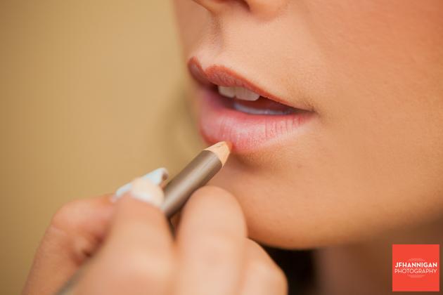 lip painting Niagara Wedding Photographer