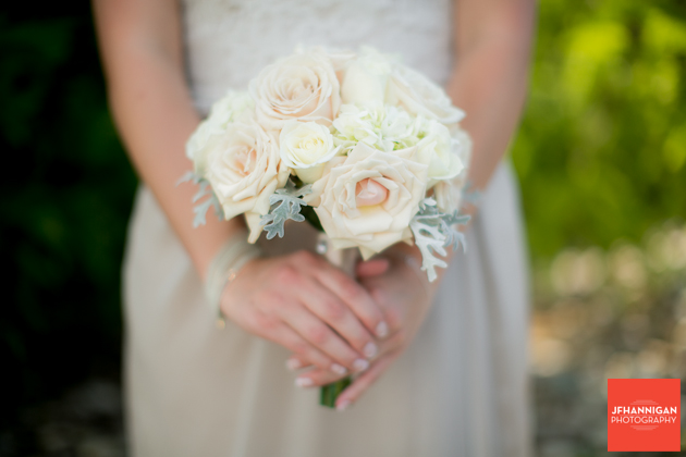 bridemaid bouquet with roses