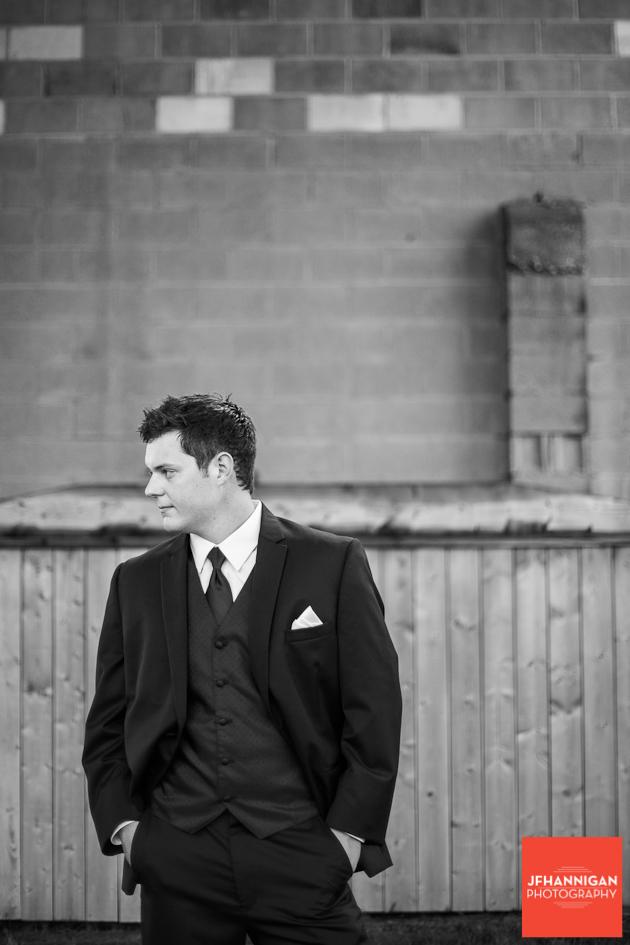 groom Niagara wedding photographer