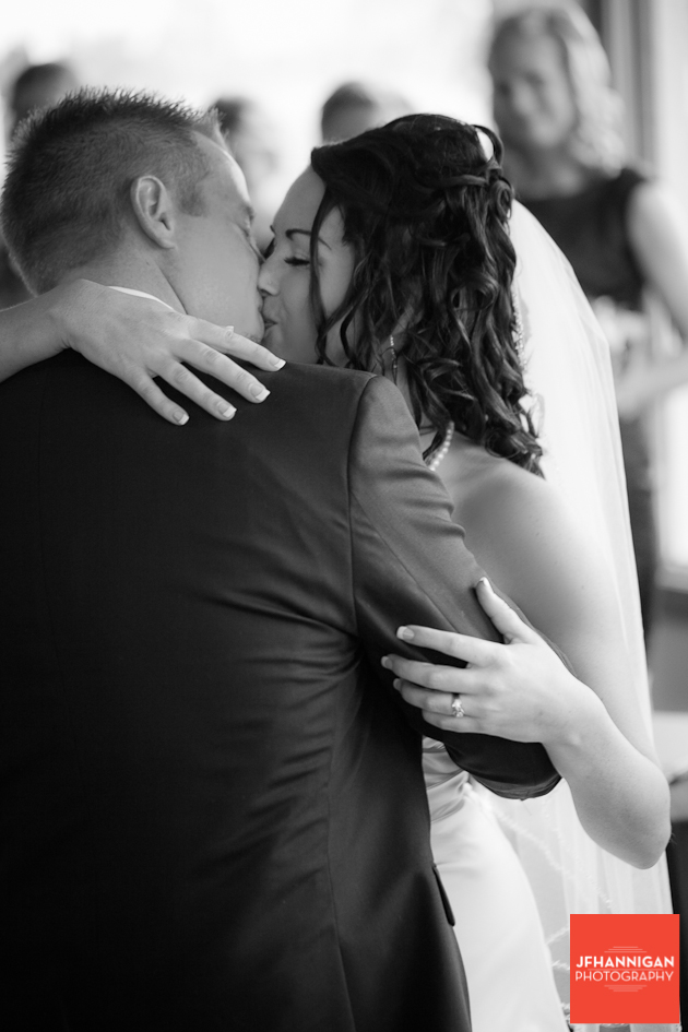 wedding kiss in black and white