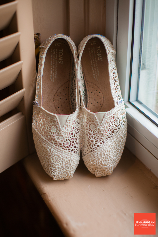 Wedding Shoes, Wedding Details, Wedding Day, Niagara Wedding Photographer, Niagara Wedding Photography