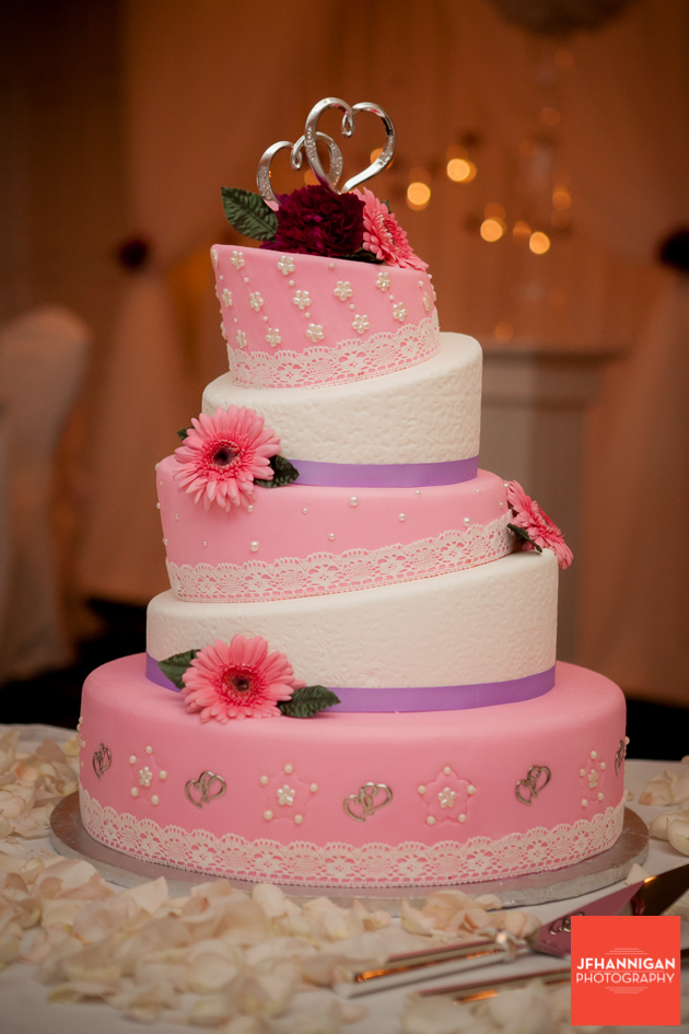 Wedding cakein pink and mauve
