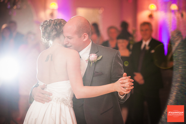 first dance Niagara Wedding Photographer