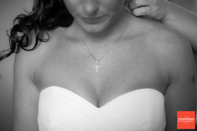 niagara, wedding, joel, hannigan, photography, bride, neckline