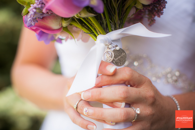 niagara, wedding, joel, hannigan, photography, rings, flowers, bouquet