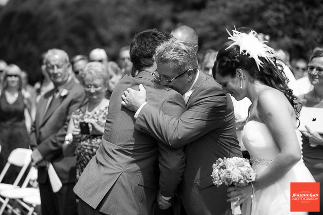 niagara, wedding, joel, hannigan, photography, family, groom, hug