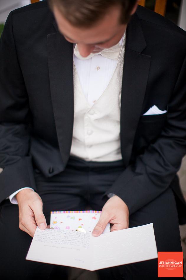grrom reads card
