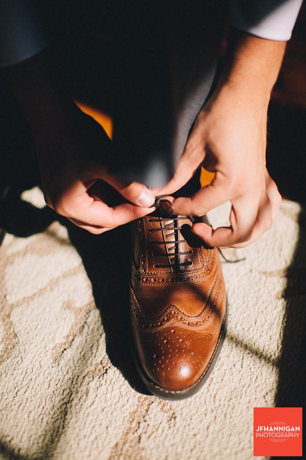 shoe tied Niagara Wedding photographer