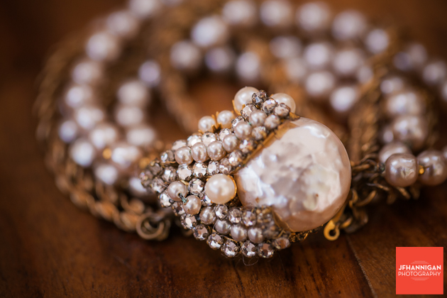 bride's jewelry with diamond and pearls